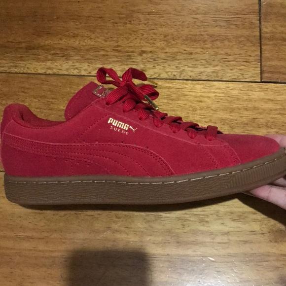 Women s red and gum bottom puma sneaker 40985e83de94